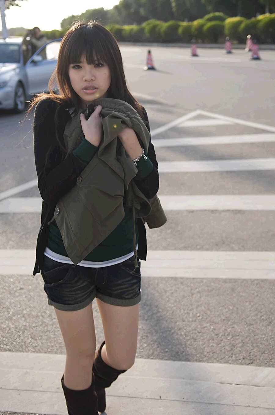 Thailändische Nacktes schönes Porzellanmädchen schlug